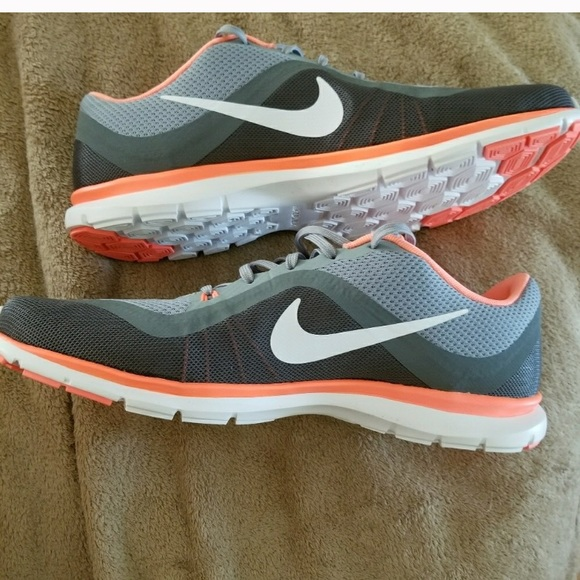 Women s Nike Flex trainer 6. M 5a5df6432ab8c5a82fc73d98 849e184dad
